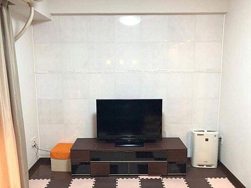 中古マンション-名古屋市中区松原2丁目 TV背面は人口大理石を使用したオシャレな壁です☆