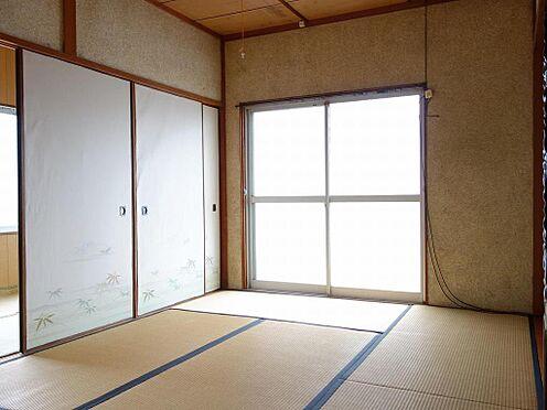アパート-呉市西塩屋町 ゆったりとくつろいで頂ける和室6帖です。(2階)