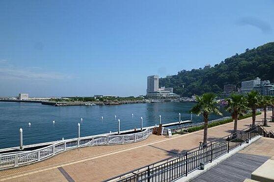 リゾートマンション-熱海市清水町 親水公園:親水公園まで徒歩3分(約225m)。サンビーチも近くお散歩コースには最適です。