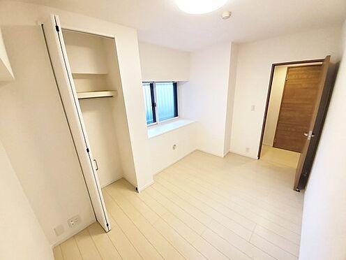 中古マンション-多摩市落合3丁目 床、壁、建具も綺麗にリフォームされています。