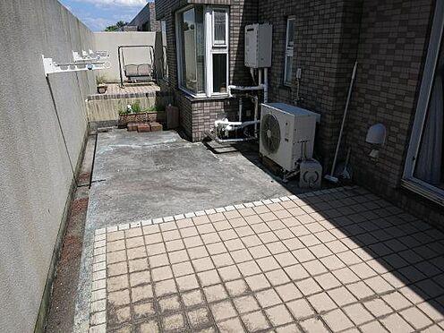 中古マンション-田方郡函南町平井 テラス:テラスの広さは約19.89平米ございます。