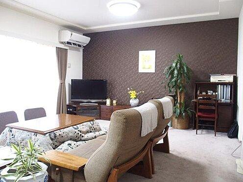 中古マンション-多摩市豊ヶ丘3丁目 約21.0帖のリビングです。大きな家具を置いても余裕があります。