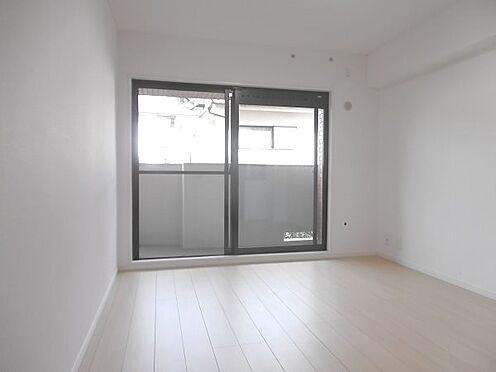 中古マンション-多摩市聖ヶ丘1丁目 南東側約6.3帖洋室です。