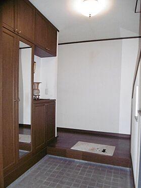 中古一戸建て-町田市小山町 広々した玄関。