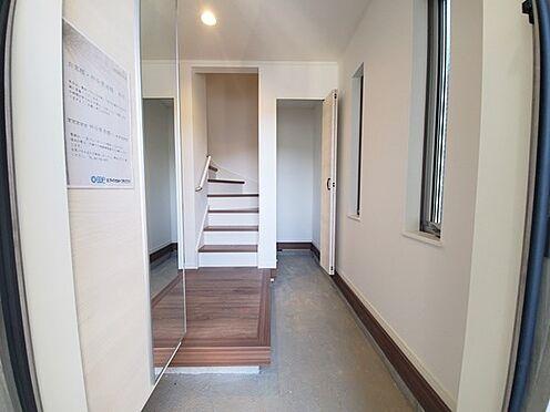 新築一戸建て-町田市金井7丁目 広々玄関が自慢の物件!来客様も広い玄関でお出迎え出来ます!