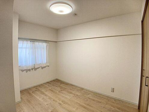 中古マンション-名古屋市千種区向陽1丁目 北側の洋室です。プライベート空間もしっかり確保できます。