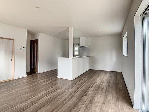 新築一戸建て-名古屋市守山区翠松園2丁目 カウンターキッチンからはお部屋全体を見渡せます