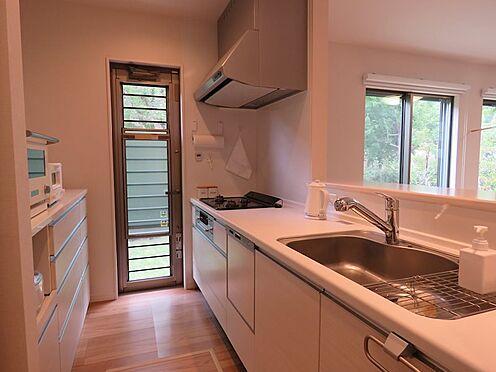 中古一戸建て-八王子市鑓水2丁目 食洗器付きのシステムキッチン。