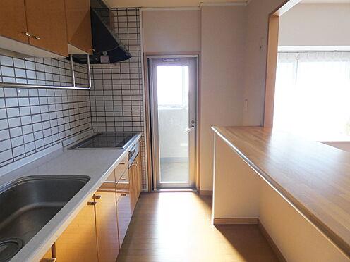 中古マンション-横浜市港南区野庭町 キッチンからバルコニーに出られます