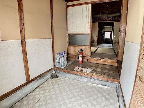 戸建賃貸-名古屋市南区六条町3丁目 広々とした玄関!