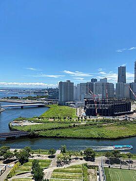区分マンション-横浜市神奈川区栄町 ランドマークタワー・大桟橋・マリンタワーなど横浜の名所を望みます。