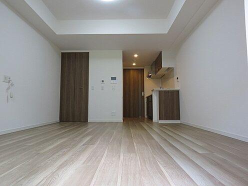 中古マンション-町田市三輪緑山1丁目 約10帖の洋室。床暖房設置済です。