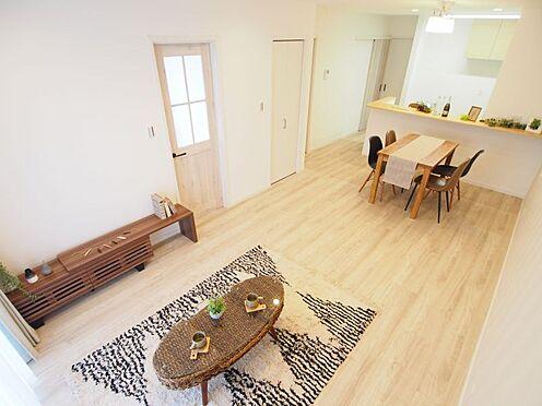 戸建賃貸-碧南市中山町6丁目 日当たり良好なリビングで家族団らんの時間を過ごすことができます!