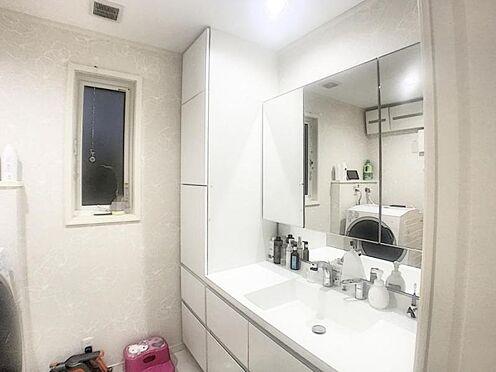 戸建賃貸-みよし市三好町東山 煩雑になりがちな洗面周りは収納が充実しています