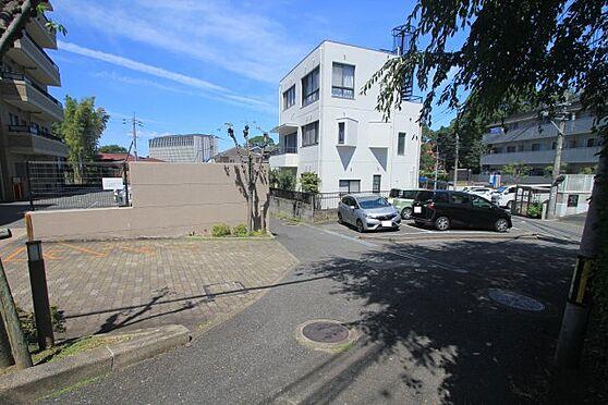 中古マンション-福岡市中央区谷2丁目 マンションからすぐ前に駐車場確保しております!