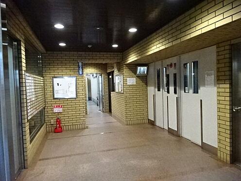 マンション(建物一部)-大阪市中央区北久宝寺町2丁目 防犯性に配慮したエレベーターは2基あり