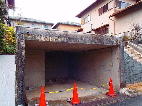 土地-八幡市橋本栗ケ谷 現状更地:車庫1台分あります(H2000mm×W3700mm)