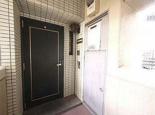 マンション(建物一部)-北九州市小倉北区高峰町 玄関です♪角部屋なので玄関回りのスペースにも余裕があります!