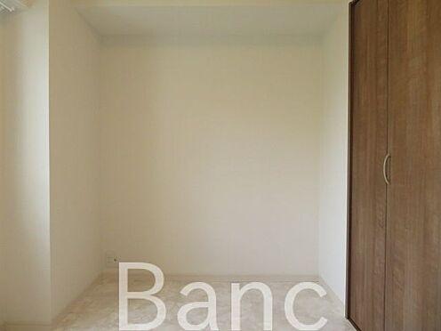 中古マンション-港区三田4丁目 梁の無い洋室で家具の配置がしやすい間取りです