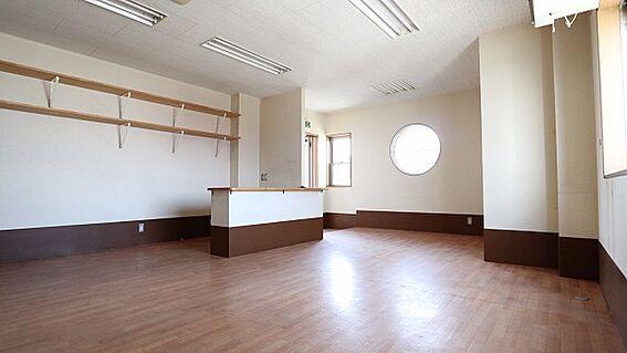 ビル(建物全部)-和歌山市築港5丁目 2F事務所