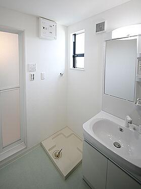 アパート-東大阪市小若江1丁目 くもり止めヒーター付きの独立洗面化粧台。