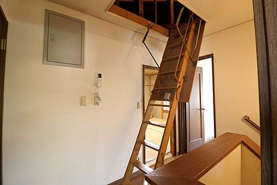 中古一戸建て-多摩市唐木田1丁目 屋根裏収納もあります