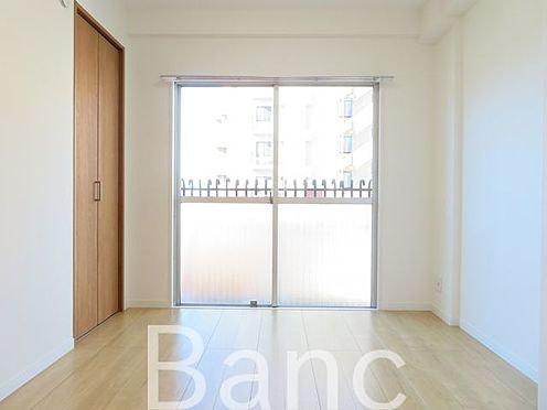 中古マンション-足立区東和5丁目 明るい室内です。