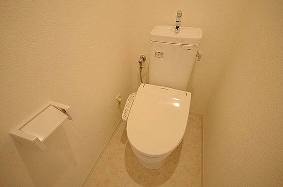 中古マンション-藤沢市本藤沢2丁目 トイレ