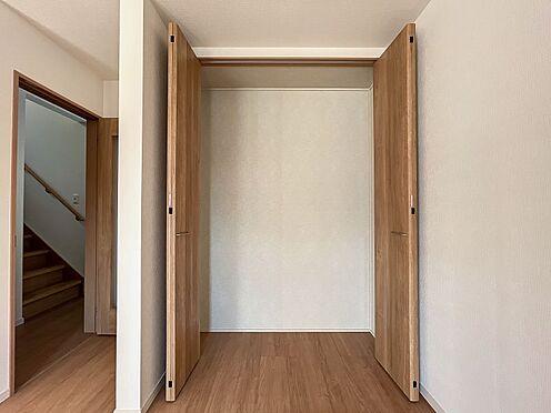 戸建賃貸-名古屋市中川区五女子町5丁目 リビングのクローゼットはたっぷり収納できいつも奇麗に保てます♪