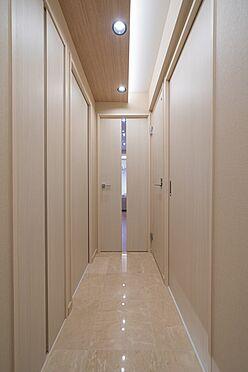 中古マンション-渋谷区神泉町 大理石貼りの玄関・廊下