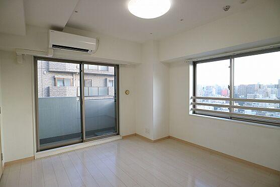 区分マンション-台東区日本堤2丁目 洋室約7.0帖 南東バルコニーに面し、2面採光の採れる明るいお部屋