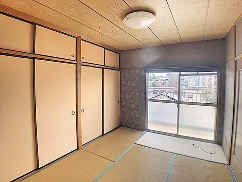 中古マンション-豊田市山之手2丁目 畳の匂いは日本人なら落ち着く匂いですよね♪収納もたくさんあるので布団もしまっていただけます。