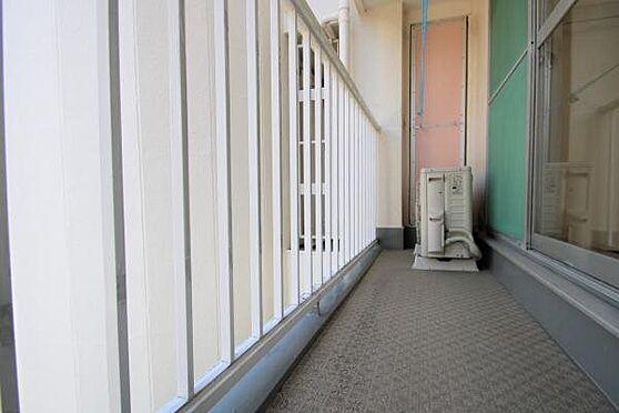 中古マンション-熱海市春日町 バルコニー:約3.24m2のバルコニー。汚れも少なく綺麗にお使いのようです。