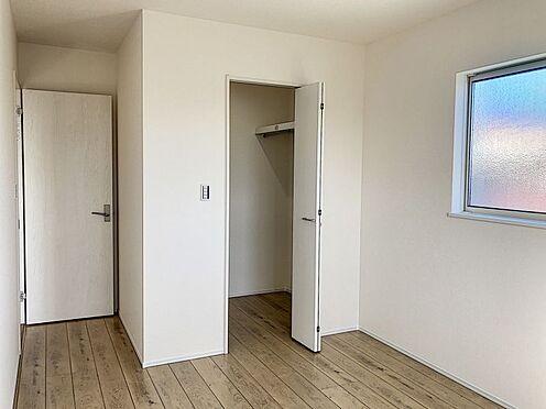 新築一戸建て-知多郡東浦町大字石浜字須賀 子供部屋や寝室にも適した洋室♪