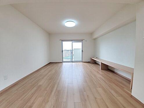 区分マンション-多摩市落合3丁目 リビングスペースは形も綺麗で家具配置もしやすそうです!