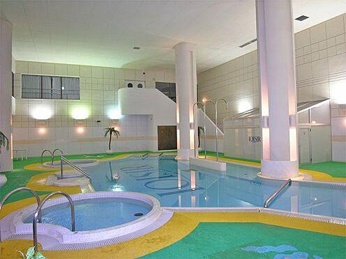 中古マンション-伊東市荻 【屋内プール】広い温水プールです。
