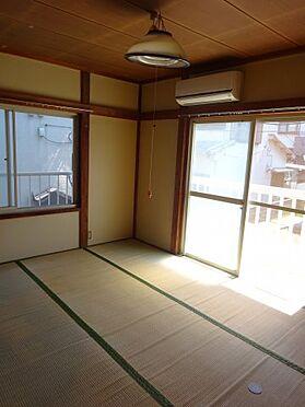 アパート-横須賀市久里浜3丁目 南側和室は日当たり大変良好です