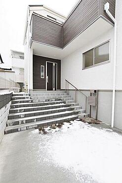 新築一戸建て-仙台市宮城野区自由ケ丘 玄関