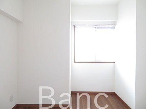 中古マンション-江東区新大橋1丁目 窓があり明るいお部屋です。