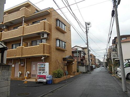 マンション(建物一部)-川崎市中原区井田三舞町 エントランス前の幅員約5mの前面道路