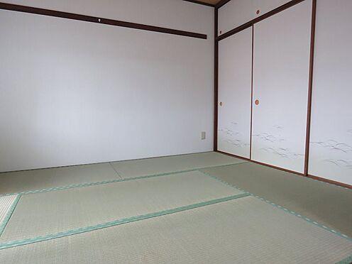 中古マンション-八王子市上柚木3丁目 和室は畳・襖を交換しています。