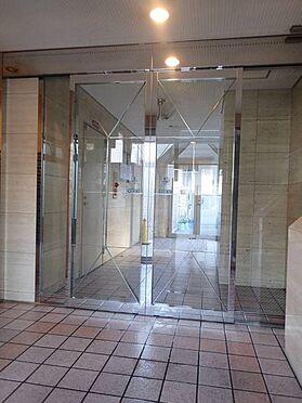 マンション(建物一部)-大阪市東成区中道1丁目 清潔な印象のエントランス。