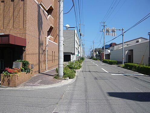 区分マンション-今治市黄金町1丁目 南側前面道路