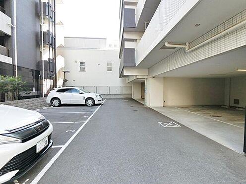 マンション(建物一部)-大阪市淀川区十三本町1丁目 広々とした駐車場