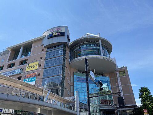 店舗事務所(建物一部)-多摩市関戸3丁目 当物件から徒歩10分圏内にある聖蹟桜ヶ丘駅。大型商業施設があり、買い物に便利です。