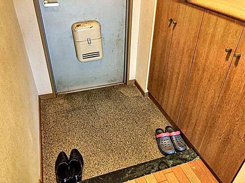 中古マンション-豊田市大林町15丁目 玄関横にシューズボックスがついているので、片付いた玄関がキープできます◎