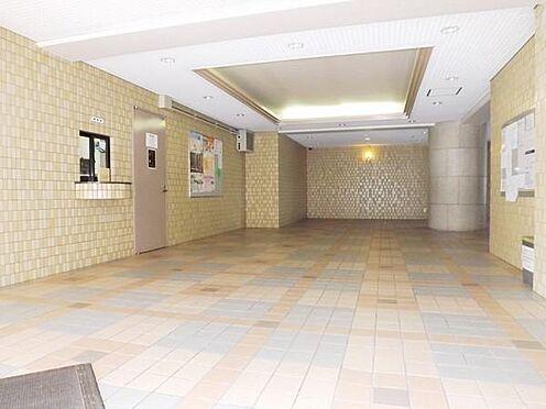 マンション(建物一部)-京都市伏見区下鳥羽南円面田町 開放感ある広いエントランス