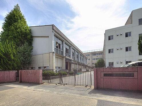 マンション(建物一部)-松戸市新松戸2丁目 松戸市立新松戸南中学校 1978年4月30日創立 公立校として普通だと思う。ただ部活は盛んであり、陸上部、卓球部は強い