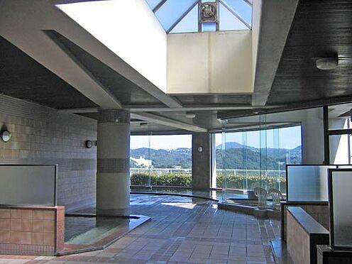 中古マンション-伊東市岡 温泉大浴場はゆったりとしております。
