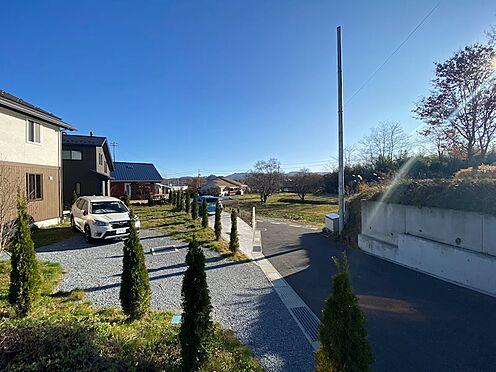 土地-北佐久郡軽井沢町大字長倉 敷地から南側の様子。開けた印象です